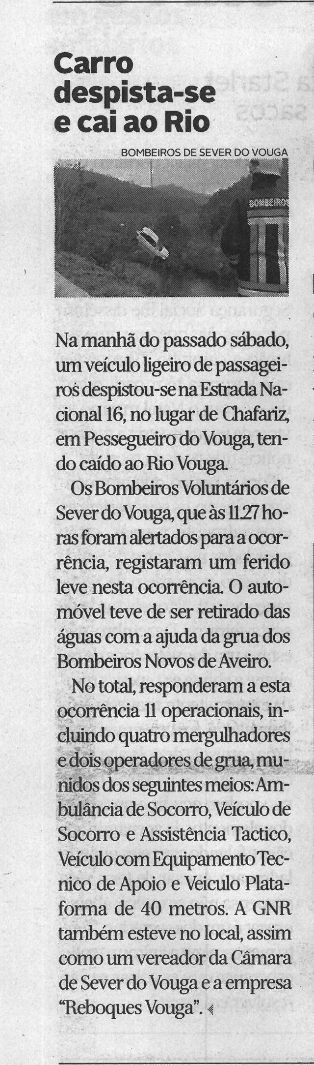 DA-21dez.'20-p.6-Carro despista-se e cai ao Rio.jpg