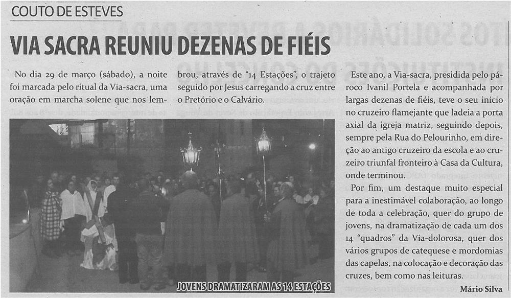 JPEG: TV-abr14-p7-Via Sacra reuniu dezenas de fiéis
