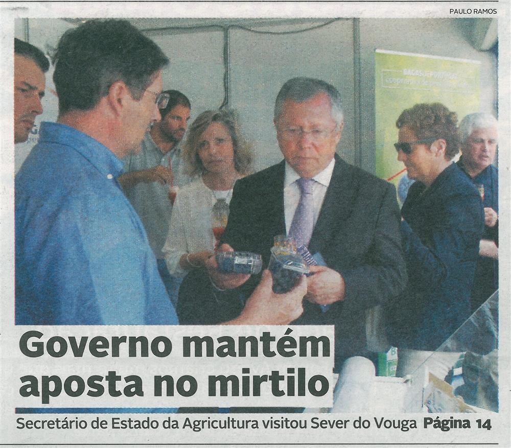 DA-24jun.'16-p.1-Governo mantém aposta no mirtilo : Secretário de Estado da Agricultura visitou Sever do Vouga.jpg